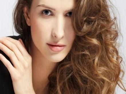 Como engrossar os cabelos com gelatina