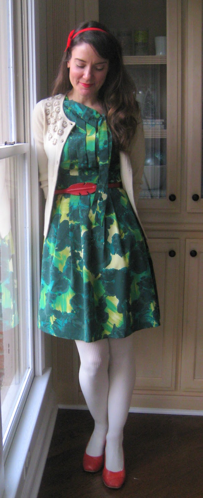 : how to wear vintage; light up dress; dress with Christmas lights ...