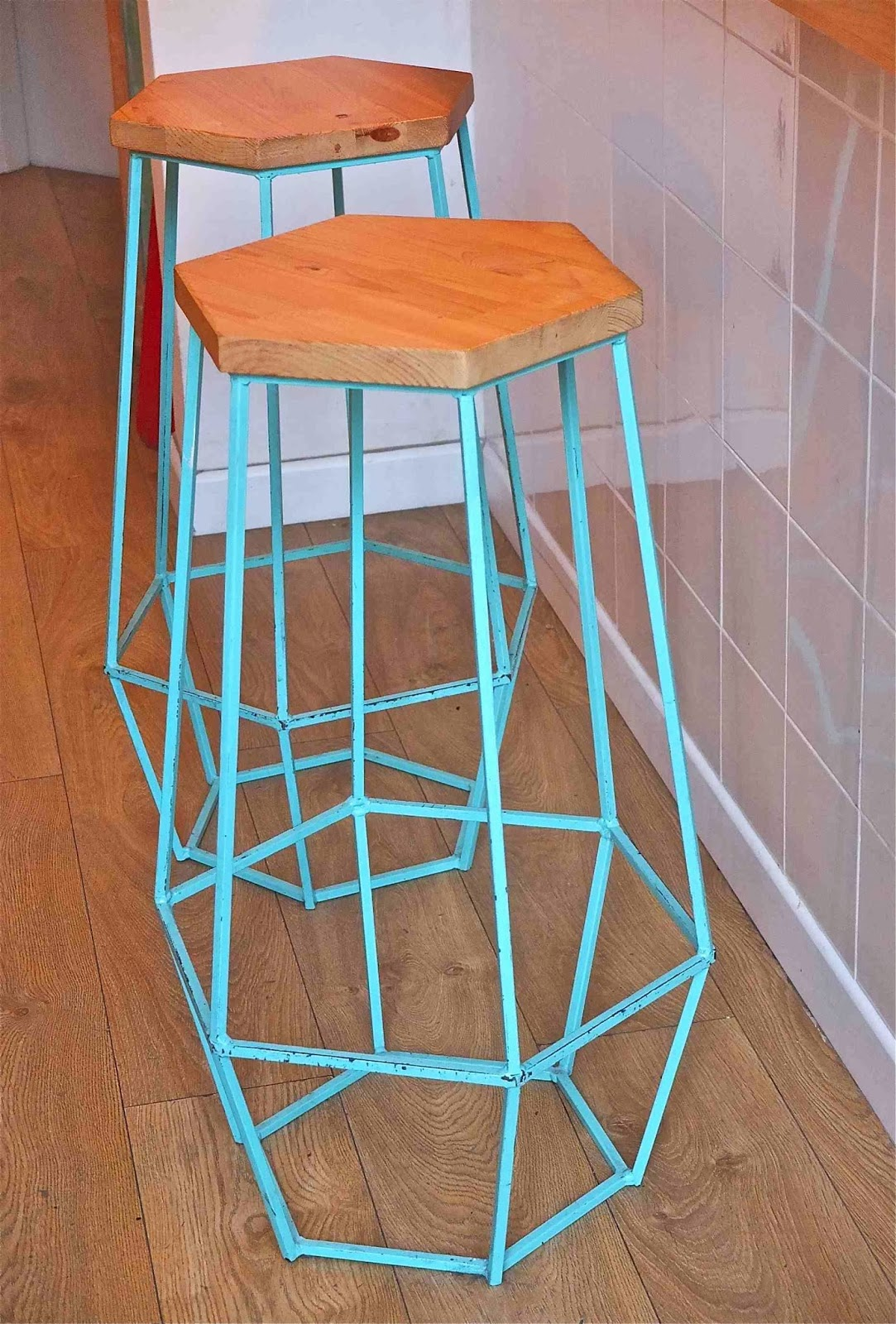 Slavia vintage le blog de l 39 est design d co et for Tabouret barcelona