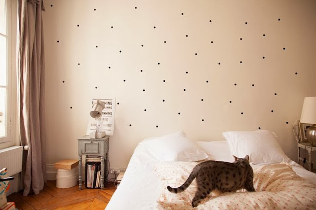 dormitorio papel lunares