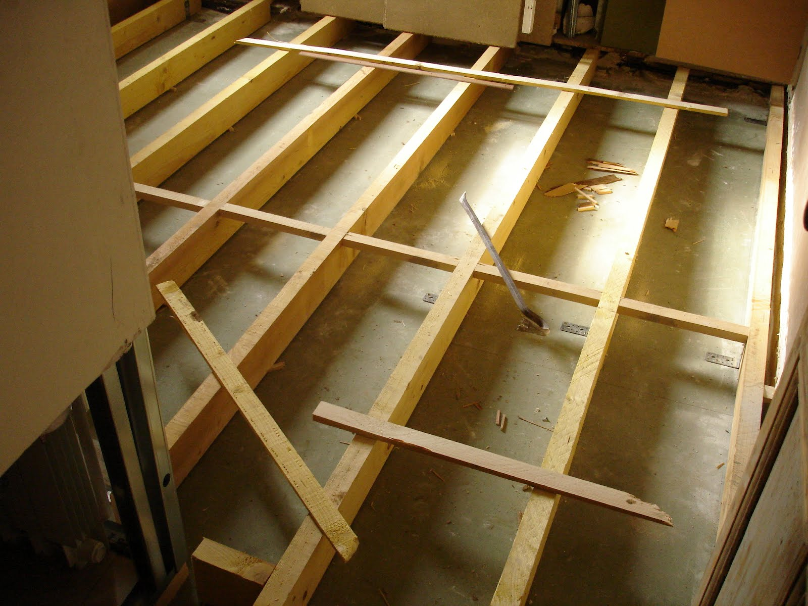 la terre dans tous ses tages petite parenth se concernant la r fection du plancher de la. Black Bedroom Furniture Sets. Home Design Ideas