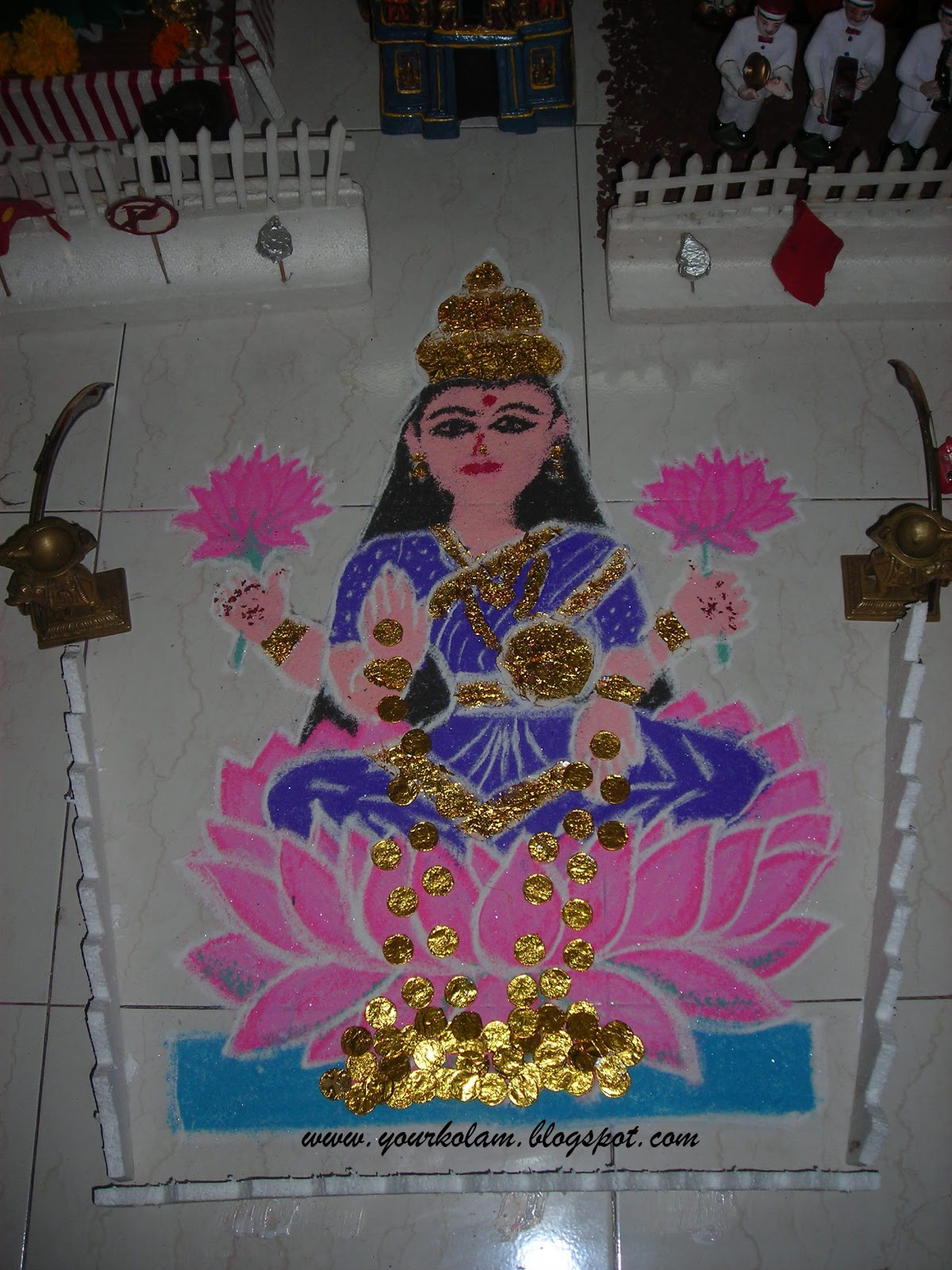 அழியாத கோலம்/ ముగ్గులు / रंगोली : Lakshmi Kolam Rangoli Designs With Dots For New Year 2012