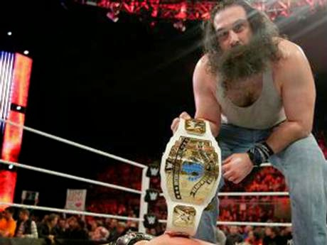 WWE - Luke Harper nuevo rey Intercontinental