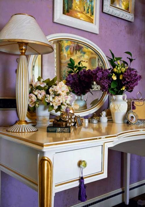 luxury dressing table with rose decorations