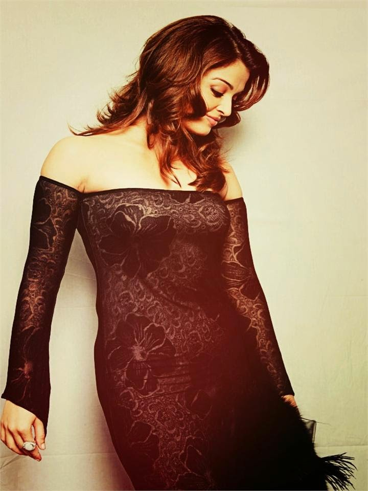 Aishwarya Rai's Hot transparent Tight Skirt Big Huge Boobs Erect Hot Pics