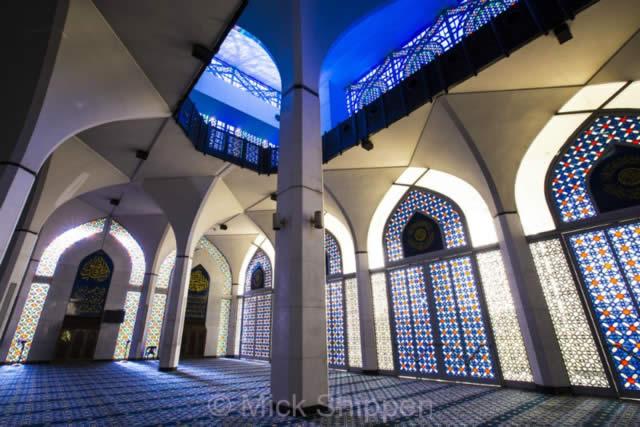 Sultan Salahuddin Abdul Aziz Shah Mosque - Selangor, Malaysia