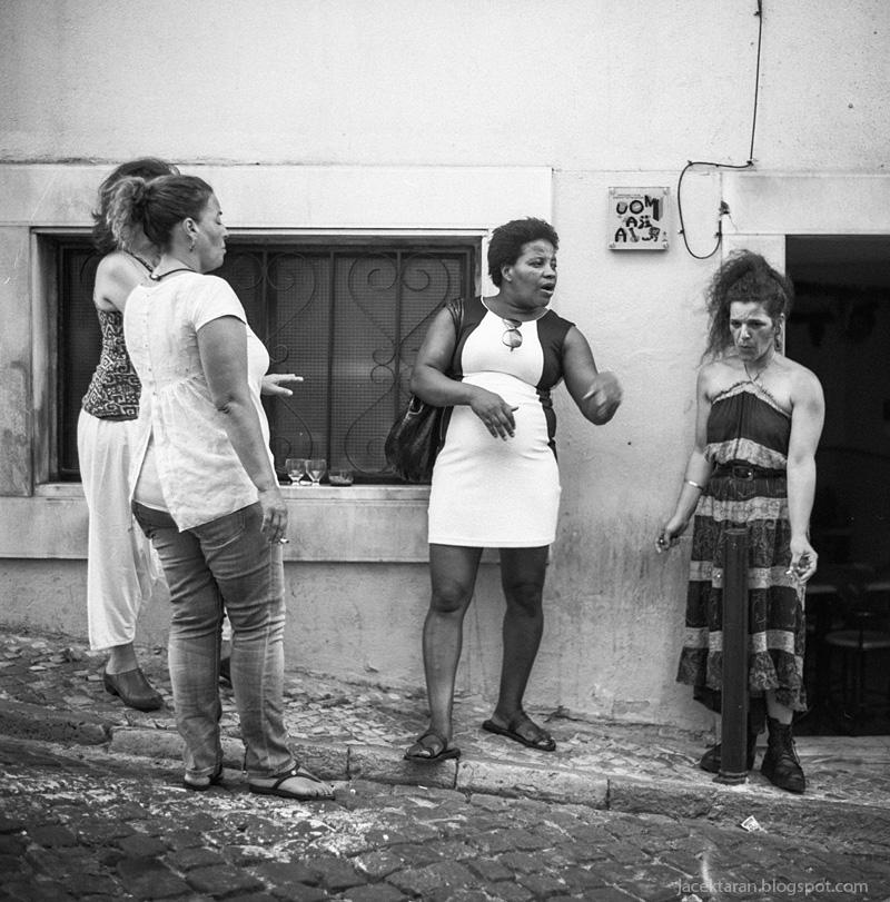 lizbona, kiev 88, fotografia analogowa, srednioformatowa, czarno-biale zdjecia, tramwaj nr 12