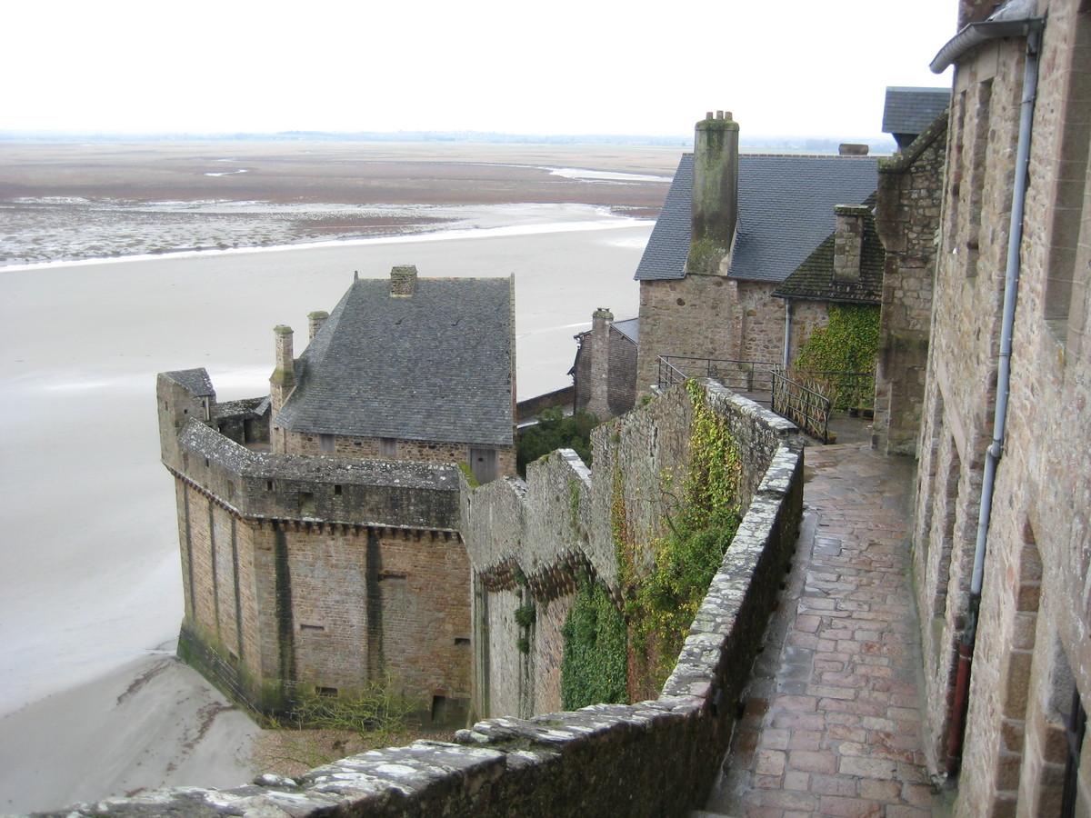 Prochaine destination?: Une nuit au Mont-Saint-Michel...