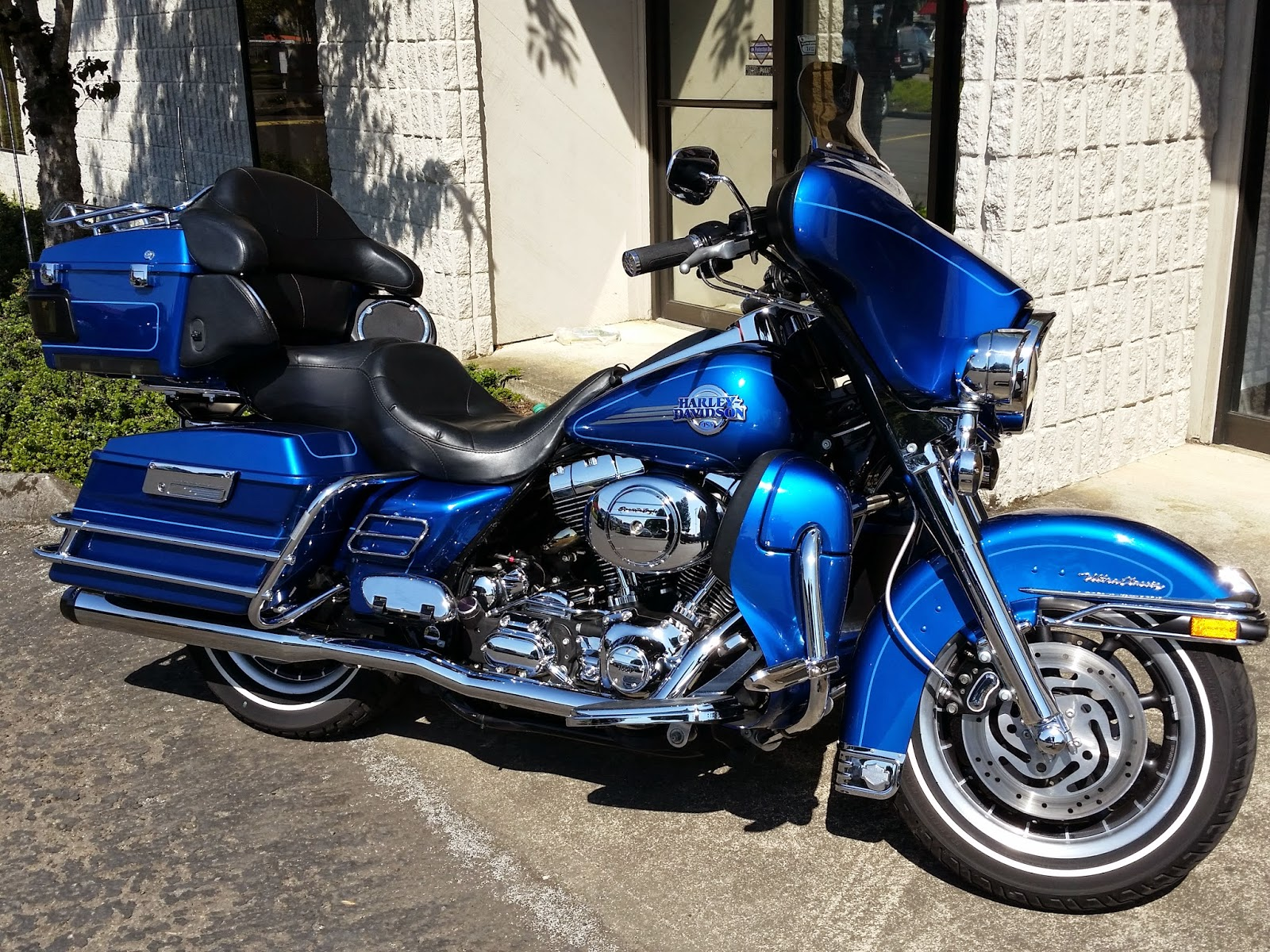 Omg Motorsports 2005 Harley Davidson Flhtcui Electra Glide Ultra 2015 Tour Pack Am Fm Cd Intercom Cb Aux Stereo Digital Audio System Custom Front And Rear Speakers Hand Warmer Plug In Upper Lid Storage Package