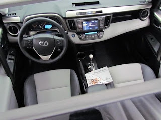 RAV4 2013 interior