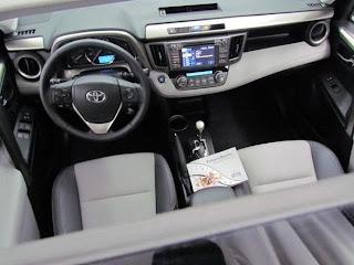 RAV4 2013 interior