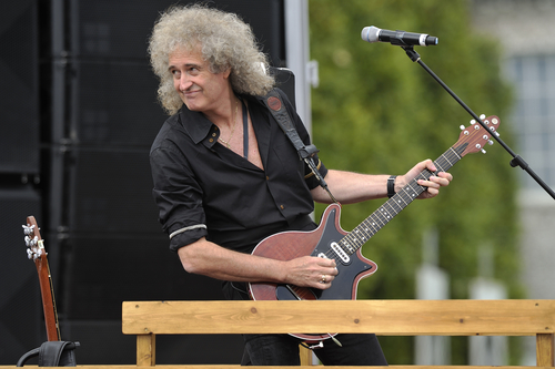 Brian May, astrophysicist