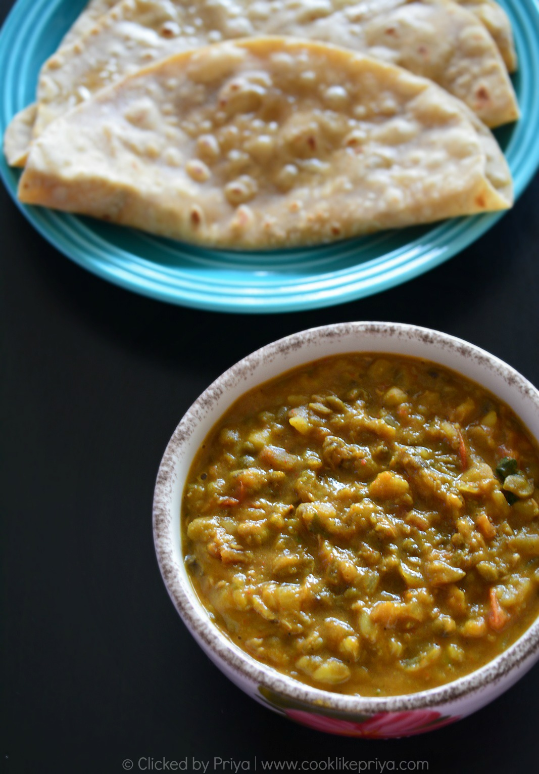 Pachai Payaru Kuruma - Chapathi side dish recipe