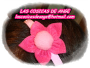 DIADEMA CAMPANULA. DIADEMA DE PLÁSTICO AZUL. CON FLOR DE FIELTRO Y POMPÓN (diadema pl stico rosa flor nueva)