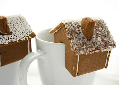 Gingerbread house on cup