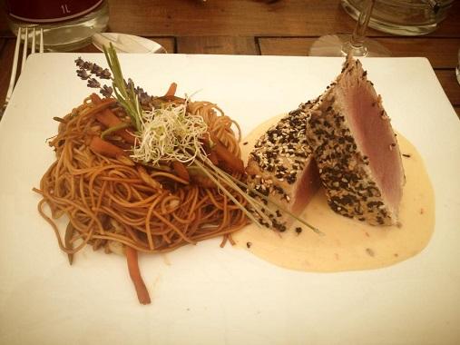 Mi-cuit de thon with noodles, Vegaluna, Cannes
