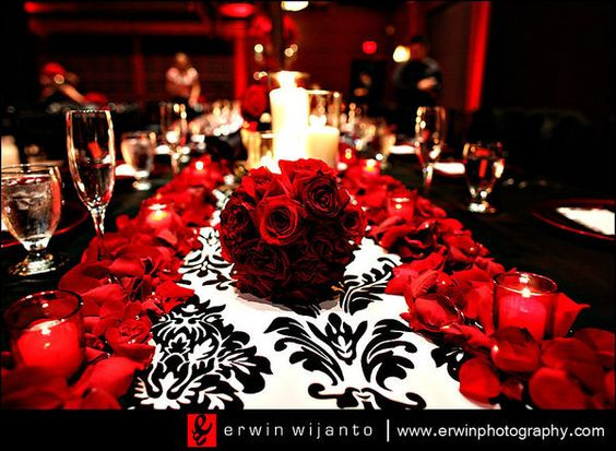 Red Classico Wedding/Quinceanera