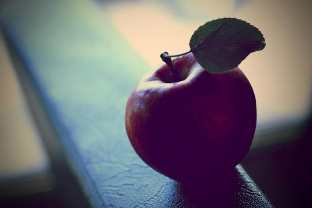 emo apple