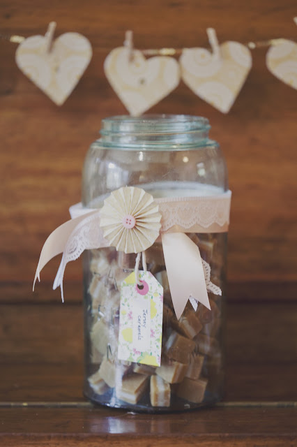 DIY garden wedding, details at www.fivekindsofhappy.com
