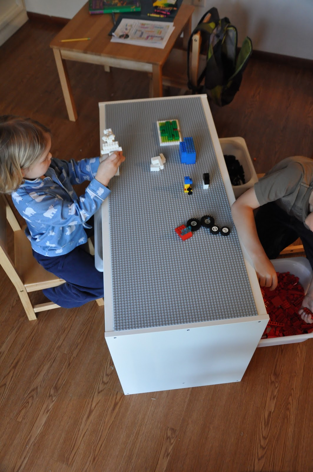 That crafty juls our new lego table - Ikea trofast lego table ...