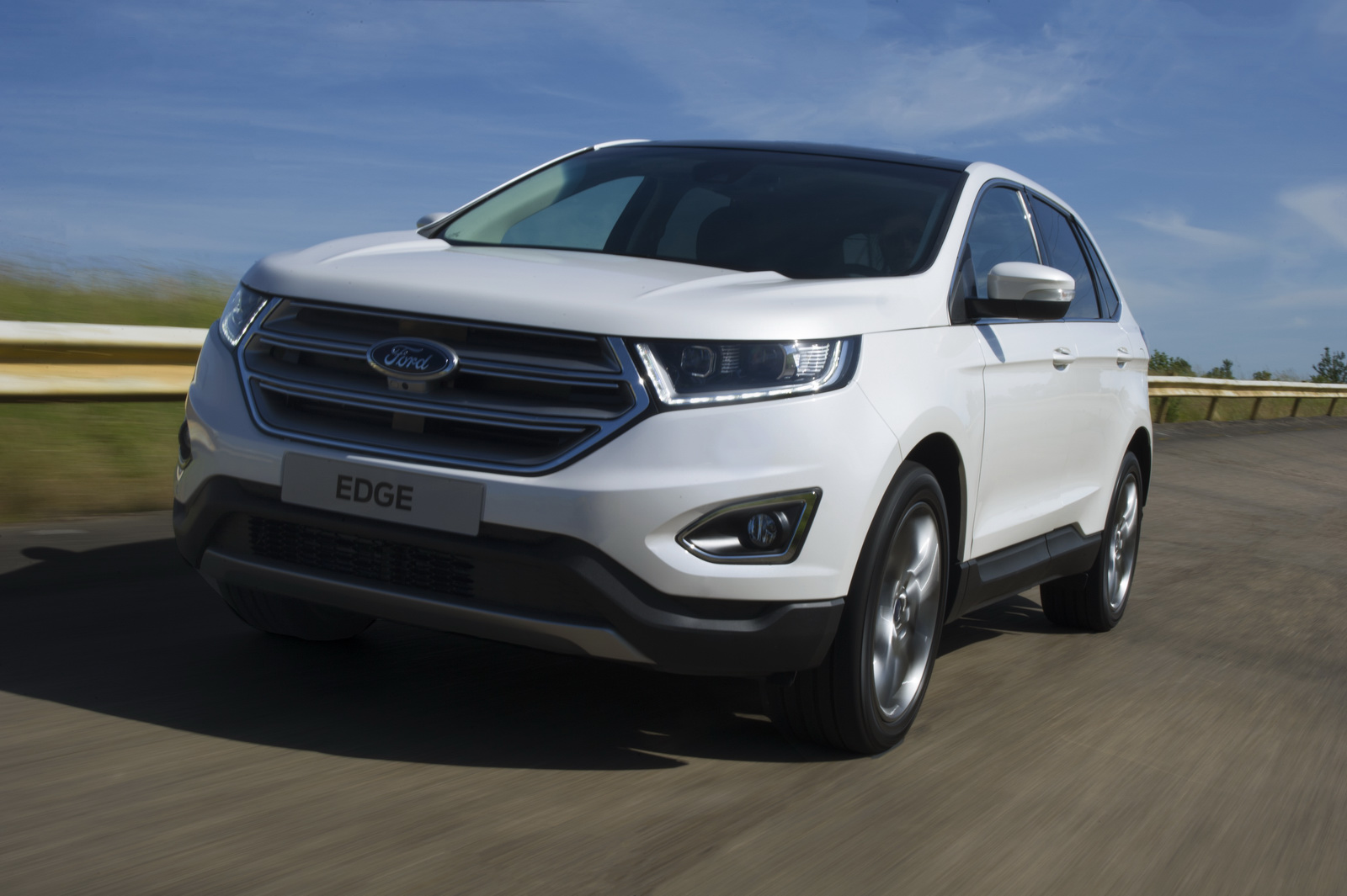 Ford edge 2 0 litre dizel otomatik le geliyor