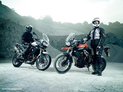 moto-triumph-trail-wallpaper-sol-paisaje-bello