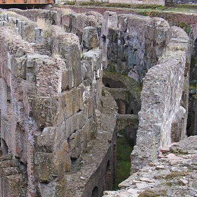 L'intérieur du Colisée de Rome (8)