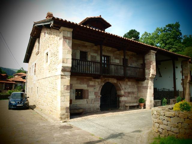 El blog de inmobiliaria cantabria de casas y casonas monta esas - Casa montanesa ...