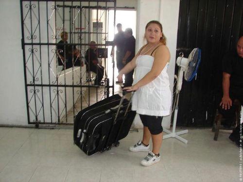 Nekat, Gadis Ini Membawa Lari Pacarnya Dari Penjara Dengan Koper [ www.BlogApaAja.com ]