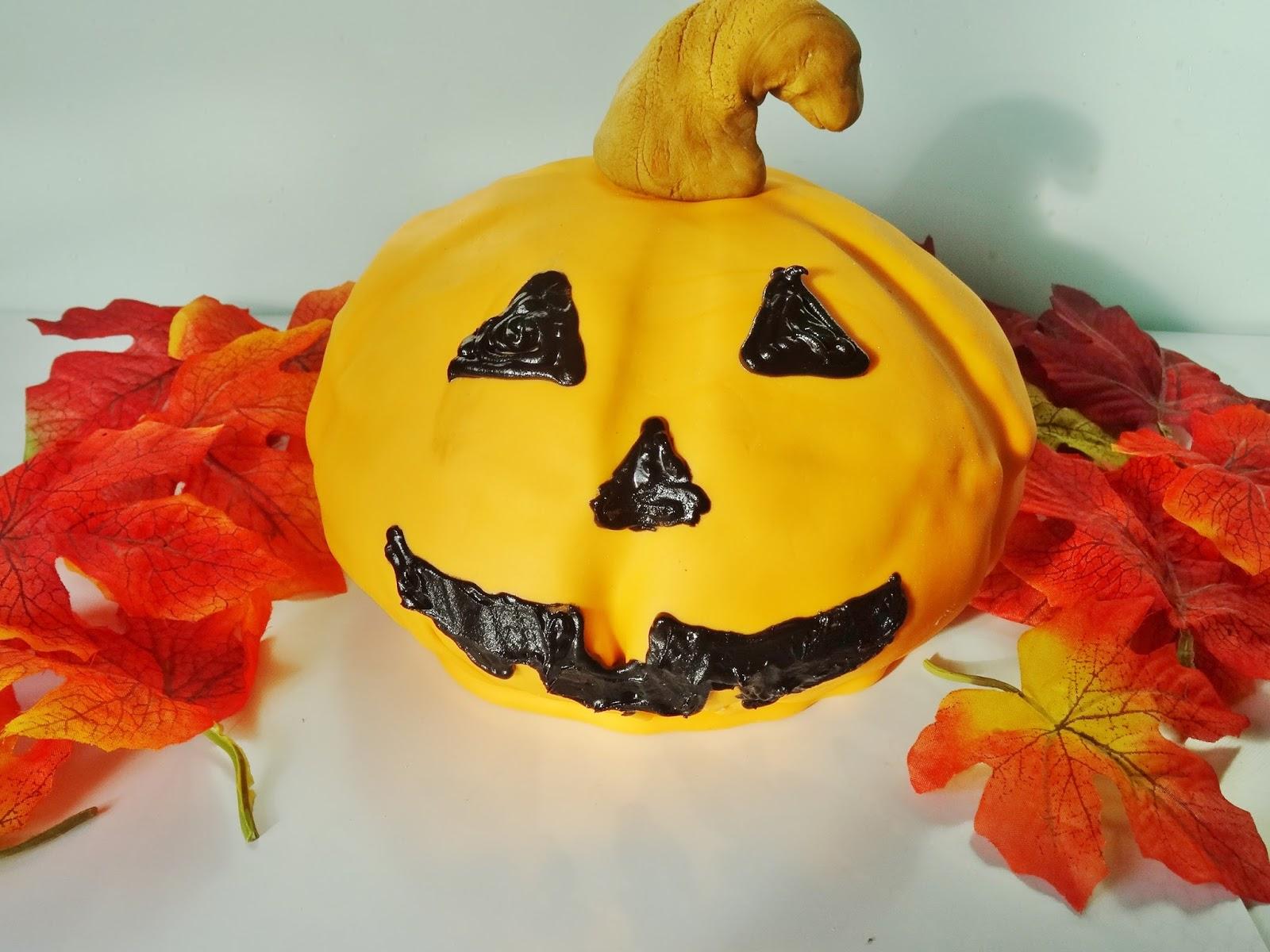 Joyce bakt halloween pompoen taart for Versiering taart zelf maken