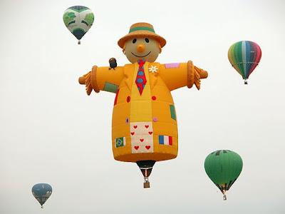 Special Shape Balloon Scarecrow