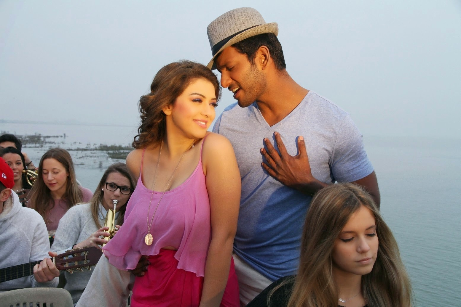 Vishal's Maga Maharaju Movie Stills | Hansika