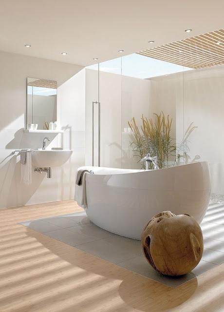 Des salles de bains o la baignoire est reine for Baignoire ilot oeuf