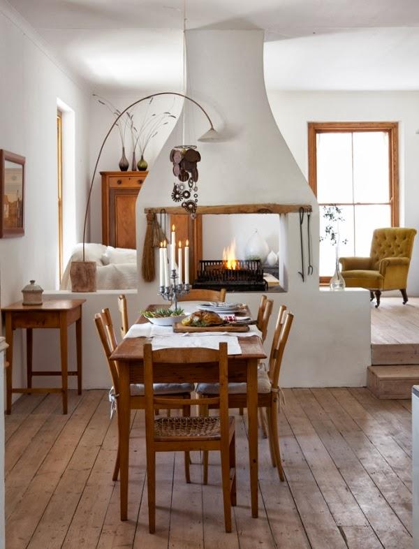 mesa y seis sillas de madera