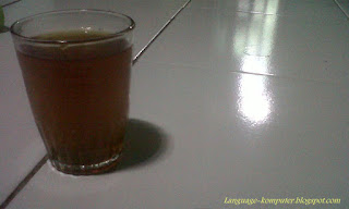 secangkir teh hangat