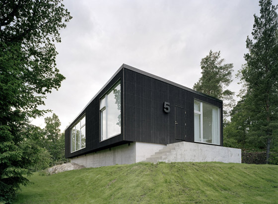 We love the refined Scandinavian design aesthetic of this wonderfully  composed modern house in Sweden. The No. 5 House was created by architect/ design team ...