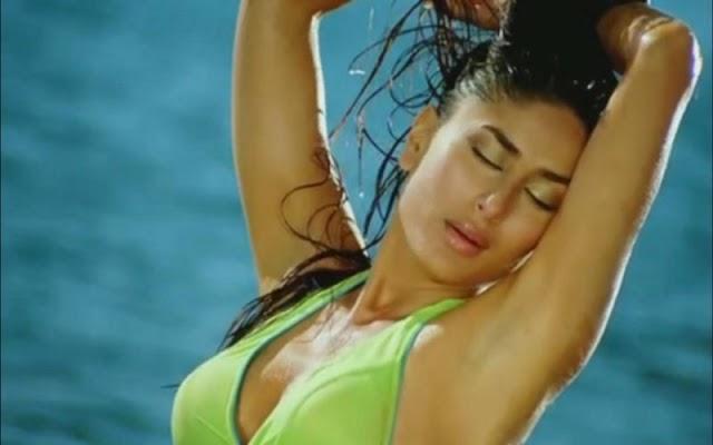 Kareena Kapoor In Bikni Tashan