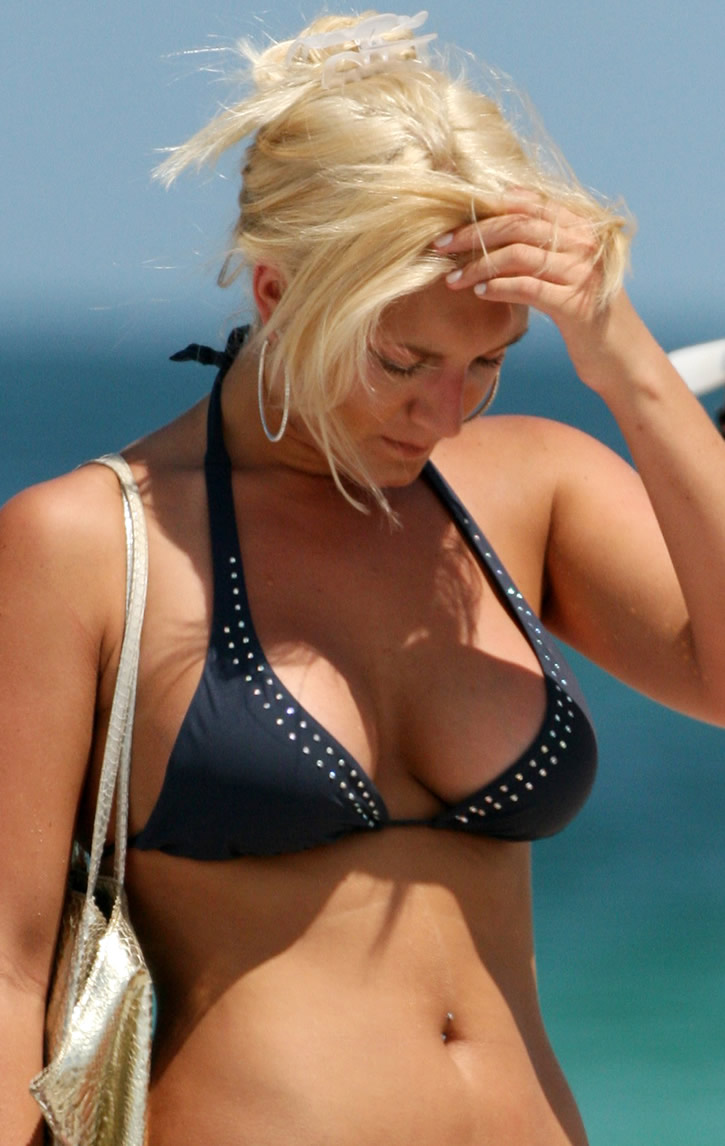 brooke hogan topless