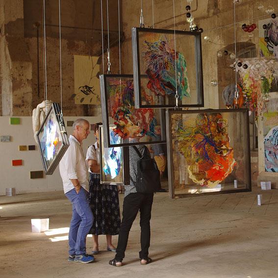 Exposition 'Les Envolées' à l'abbaye de Moyenmoutier.