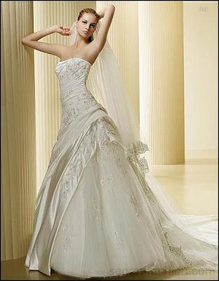 сватбените рокли с корсет