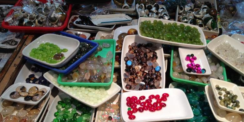 Cara Gampang Membedakan Batu Akik Asli atau 'Masakan' (palsu)