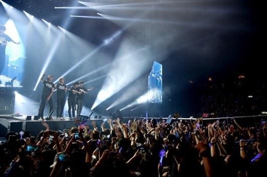 CN Blue Hong Kong�daki �ki Konserini 14.000 Hayran Toplayarak Ba�ar�yla Tamamlad�! /// 13.05.2013