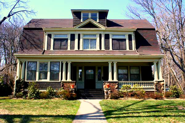 House styles 101 transformation revival and influences on for Current architectural styles