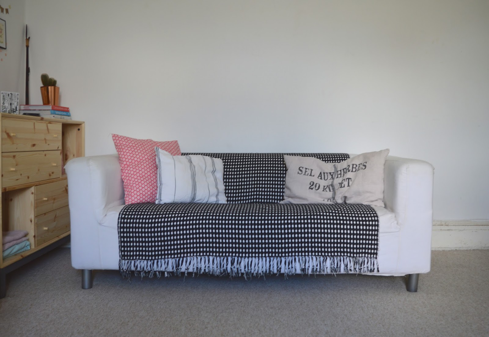 3 STEPS TO UPDATE AN OLD SOFA