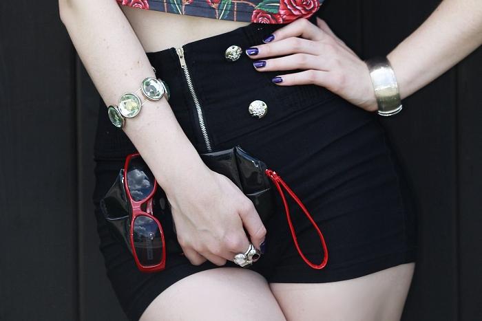 accessories, red sunglasses, červené sluneční brýle, harpers bazaar