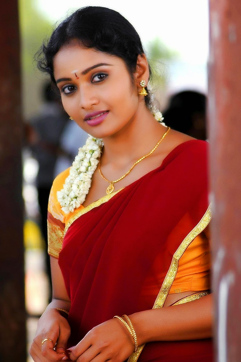Cute Advaitha Tamil Heroine As Homely Girl In Half Saree Hd Photos