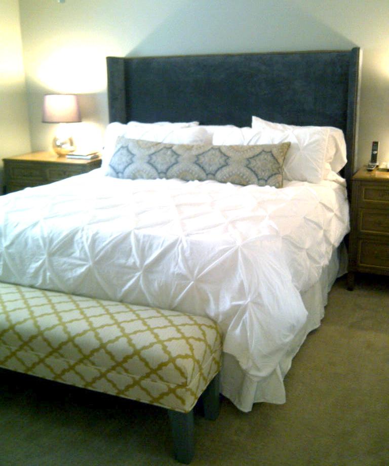White Gold Bedroom: WHITE + GOLD: BEDROOM MAKEOVER