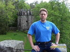 Tennisopettaja Lehto Olavi Aulangon Graniittilinnassa ottaa vastaan ilmottautumisianne sähköpostiin