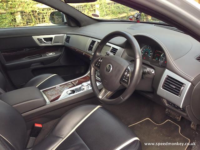 Jaguar XF Sportbrake S Portfolio interior