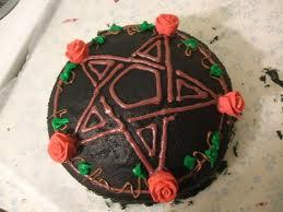 Bolo com desenho de pentagrama